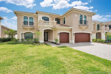 Home for Sale at 10280 Sweet Bay Ct, Parkland FL 33076