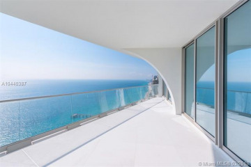 Home for Sale at 16901 Collins Ave #3905, Sunny Isles Beach FL 33160
