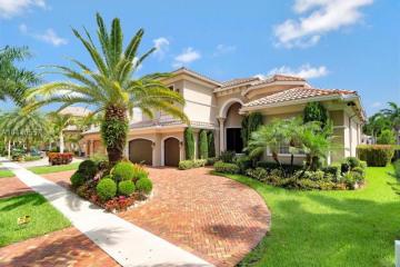 Home for Sale at 10231 Blue Palm St, Plantation FL 33324