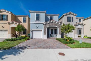 Home for Sale at 667 NE 191st St, Miami FL 33179