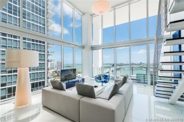 Home for Sale at 1040 Biscayne Blvd #2304, Miami FL 33132
