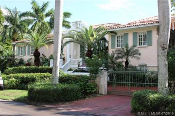 Home for Rent at 7111 Los Pinos Blvd, Coral Gables FL 33143