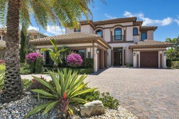 Home for Sale at 10180 Sweet Bay Court, Parkland FL 33076