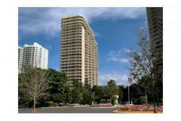 Home for Sale at 20191 E Country Club Dr #TH-5, Aventura FL 33180