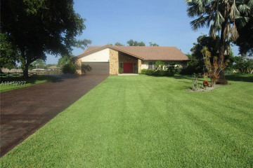 Home for Sale at 5811 SW 164th Ter, Southwest Ranches FL 33331