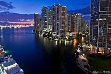 Home for Sale at 200 Biscayne Boulevard Way #1408, Miami FL 33131