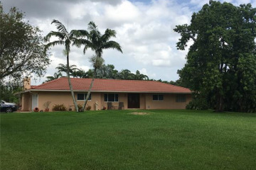 Home for Sale at 5710 SW 195th Ter, Southwest Ranches FL 33332