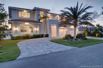 Home for Sale at 3751 NE 24th Av, Lighthouse Point FL 33064