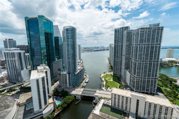 Home for Rent at 31 SE 5th St #4318, Miami FL 33131