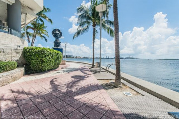 Home for Rent at 335 S Biscayne Blvd #2612, Miami FL 33131