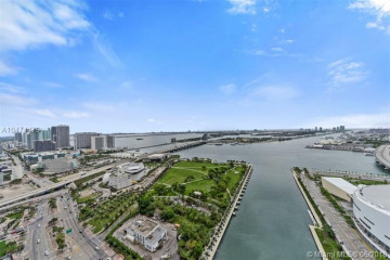 Home for Sale at 888 Biscayne Blvd #3709, Miami FL 33132