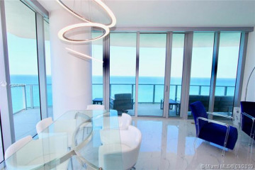 Home for Sale at 4111 S Ocean Dr #LPH2, Hollywood FL 33019