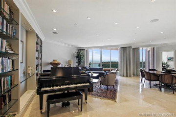 Home for Sale at 10 Edgewater Dr #9C, Coral Gables FL 33133