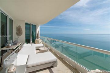 Home for Sale at 16047 Collins Av #2203, Sunny Isles Beach FL 33160