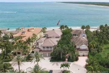 Home for Sale at 3066 SE Island Point Ln, Hutchinson Island FL 34996