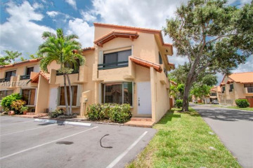 Home for Rent at 7796 SW 102nd Ln #7796, Miami FL 33156