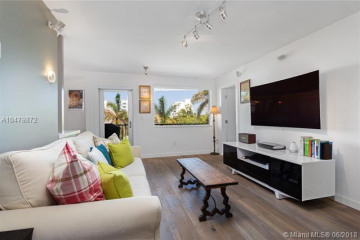 Home for Sale at 220 Washington Ave #4A, Miami Beach FL 33139