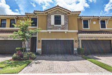 Home for Sale at 9572 Town Parc Circle North, Parkland FL 33076