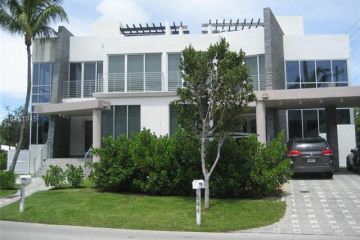 Home for Sale at 544 Fernwood Rd, Key Biscayne FL 33149