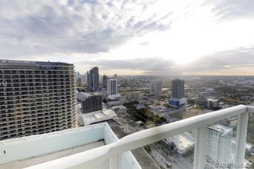 Home for Sale at 1900 N Bayshore Dr #5006, Miami FL 33132
