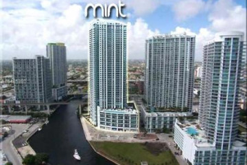 Home for Sale at 92 SW 3 St #1802, Miami FL 33130