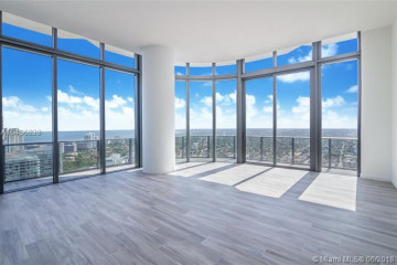 Home for Sale at 55 SW 9th St #PH4606, Miami FL 33130