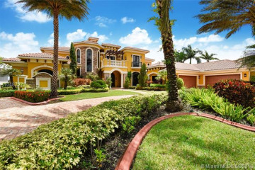 Home for Sale at 19349 N Waters Edge St, Weston FL 33332
