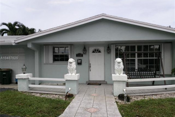 Home for Sale at 5110 NE 27th Ave, Lighthouse Point FL 33064