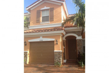 Home for Rent at 12446 NW Emerald Creek Ct, Plantation FL 33325