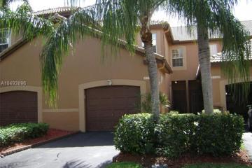 Home for Sale at 1321 Presidio Dr, Weston FL 33327