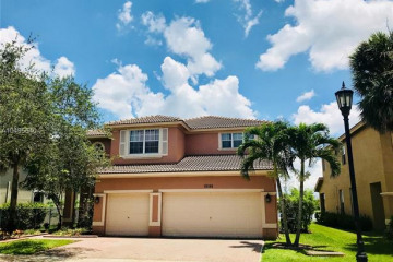 Home for Rent at 19388 Stonebrook St, Weston FL 33332