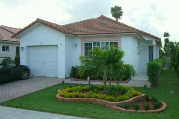 Home for Rent at 405 Kelly Ln, Weston FL 33326