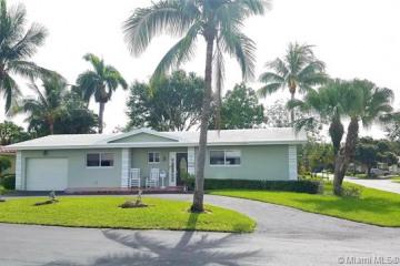 Home for Sale at 7173 E Tropical Way, Plantation FL 33317