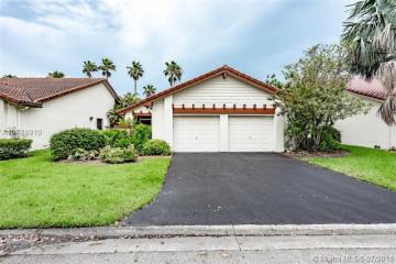 Home for Sale at 2019 Sacramento, Weston FL 33326