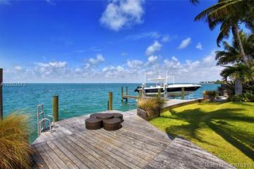 Home for Sale at 510 S Mashta Dr, Key Biscayne FL 33149