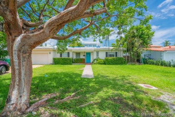 Home for Rent at 737 Ridgewood Rd, Key Biscayne FL 33149
