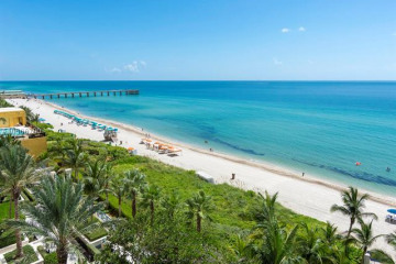 Home for Sale at 16051 Collins Ave #702, Sunny Isles Beach FL 33160