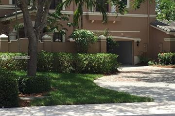 Home for Sale at 2746 Center Ct Dr #1-32, Weston FL 33332