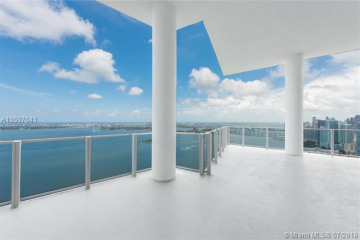 Home for Sale at 2900 NE 7 Ave #5102, Miami FL 33137