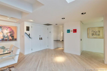Home for Sale at 2 Grove Isle Dr #B1708, Miami FL 33133
