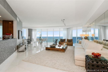 Home for Sale at 2711 S Ocean Dr #2705, Hollywood FL 33019