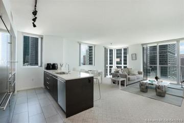 Home for Sale at 500 Brickell Ave. #1801, Miami FL 33131
