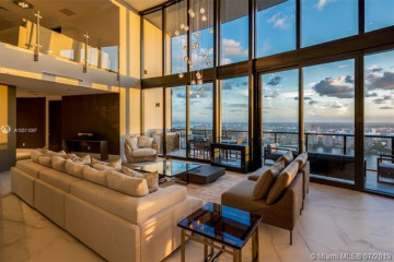 Home for Sale at 18555 Collins Ave #5403, Sunny Isles Beach FL 33160