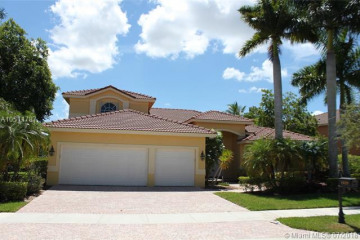 Home for Rent at 1029 Waterside Cir, Weston FL 33327