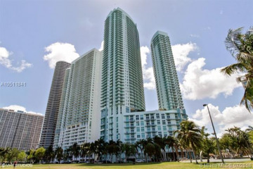 Home for Sale at 1900 N Bayshore Dr #4906, Miami FL 33132