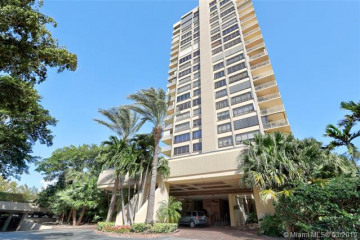 Home for Sale at 11113 Biscayne Blvd #1055, Miami FL 33181