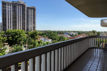 Home for Rent at 19355 Turnberry Way #4C, Aventura FL 33180