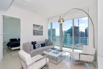Home for Sale at 92 SW 3rd St #4402, Miami FL 33130