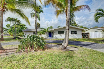 Home for Sale at 861 SW 1st Ter, Pompano Beach FL 33060