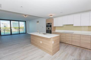 Home for Sale at 10201 E Bay Harbor Dr #403, Bay Harbor Islands FL 33154